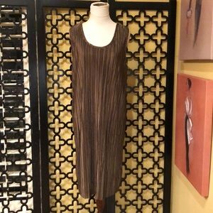 H&M OLIVE GREEN PLEATED DRESS